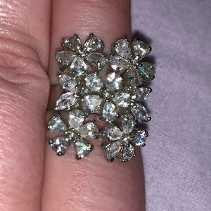 Jewelry - 2/$15 crystal flower expandable silver color ring